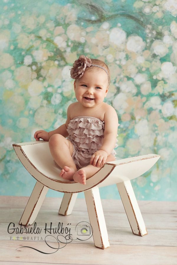 Curved Stool Newbornprops