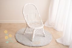 Wicker chair with a high back - white